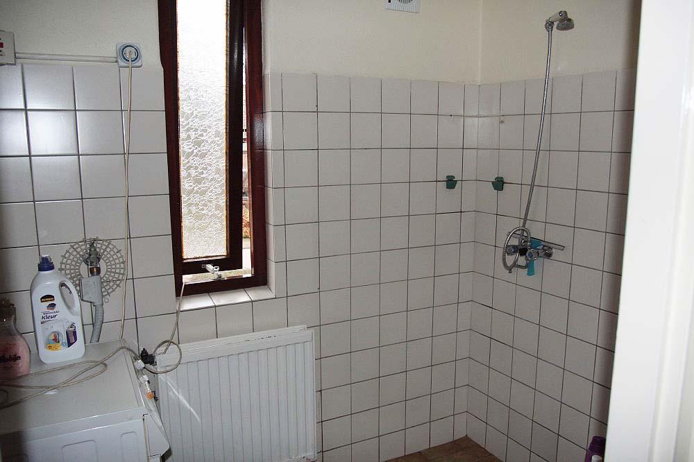Tegels Verwijderen Badkamer : Schimmels bacteriën op voegen verwijderen schoonmaken van badkamer